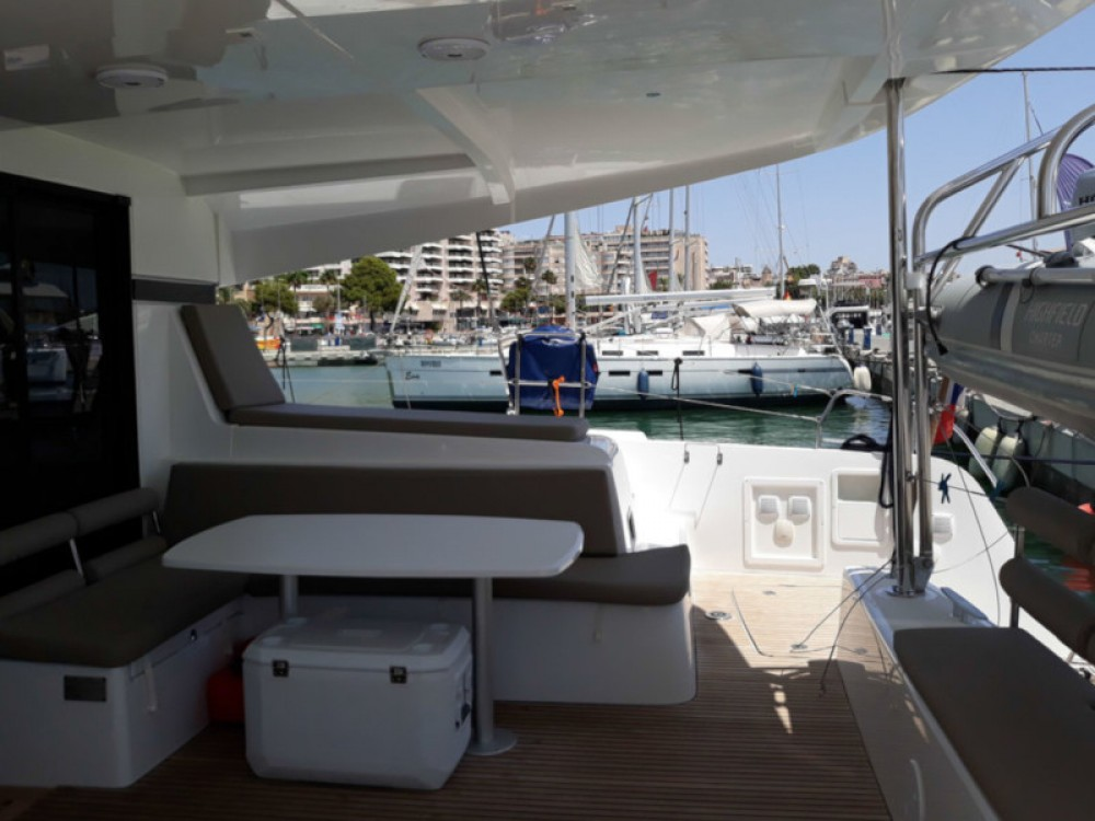 Boat rental Lagoon Lagoon 42 in Marina Naviera Balear on Samboat