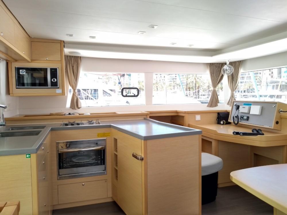 Boat rental Marina Naviera Balear cheap Lagoon 450