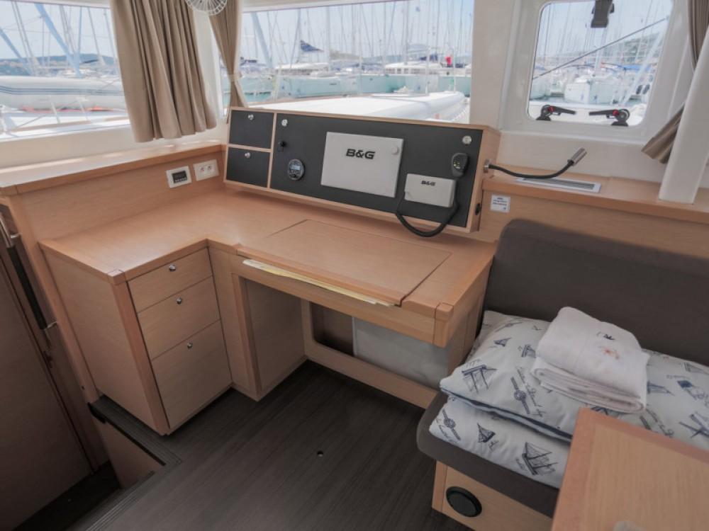 Boat rental Seget Donji cheap Lagoon 450