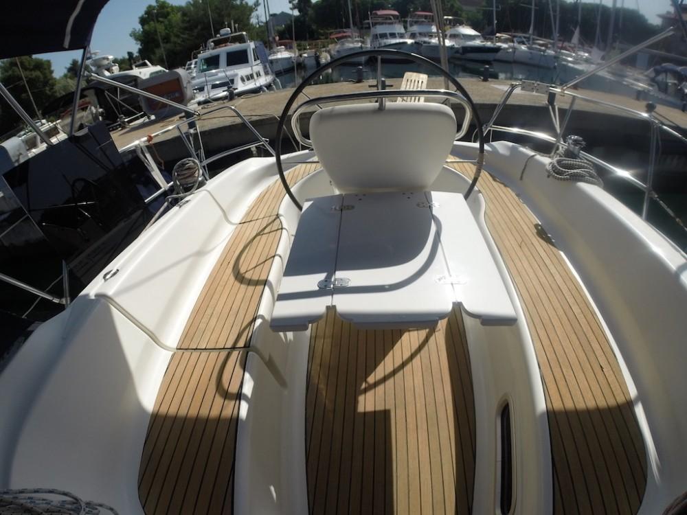 Boat rental Zadar cheap Bavaria 32