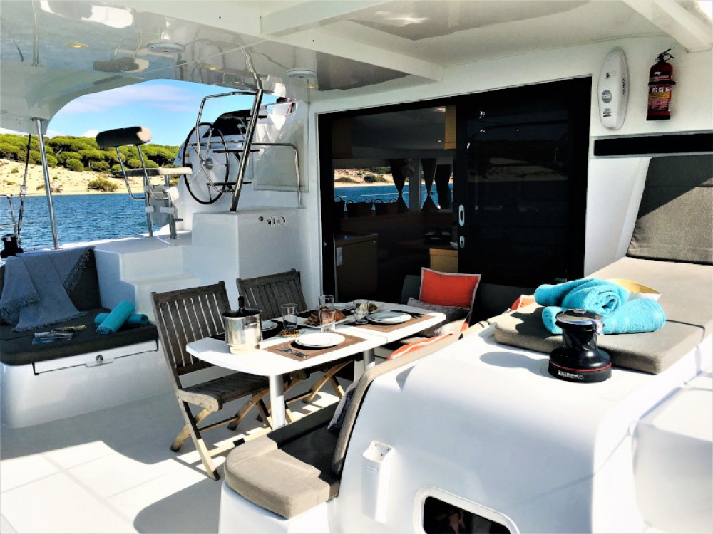 Rental Catamaran in Sant Antoni de Portmany - Lagoon Lagoon 42