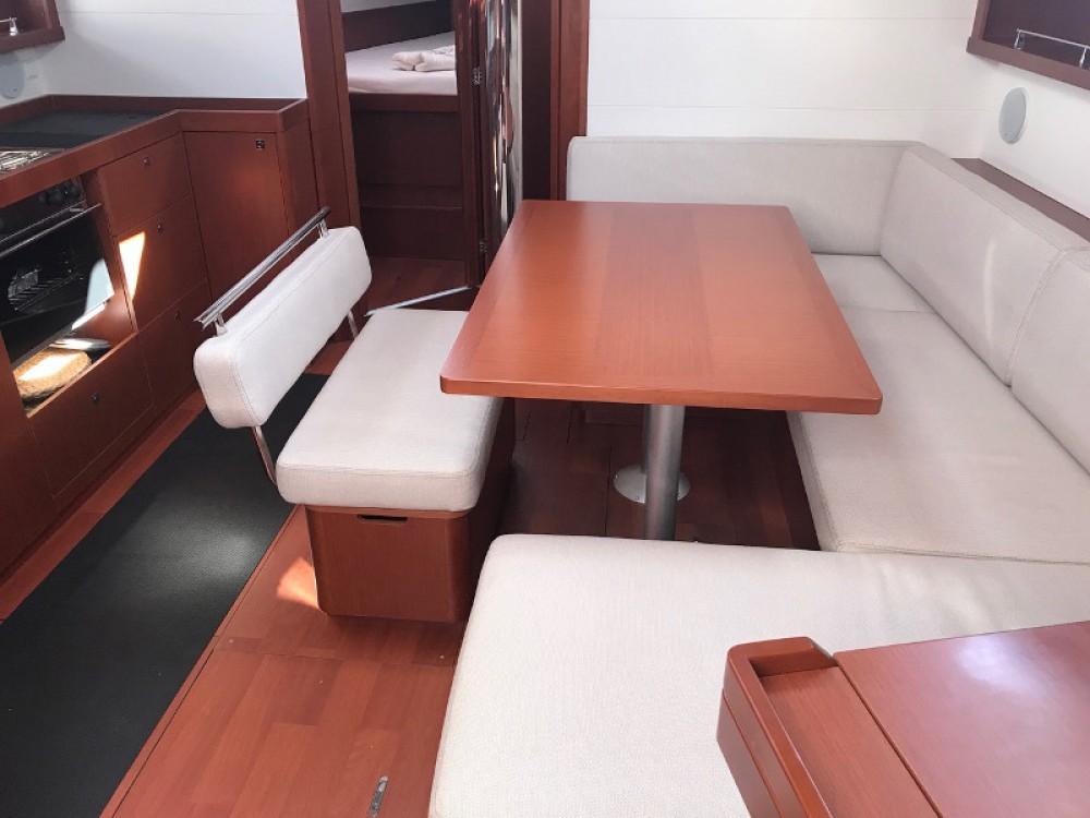 Rental Sailboat in La Spezia - Bénéteau Oceanis 45