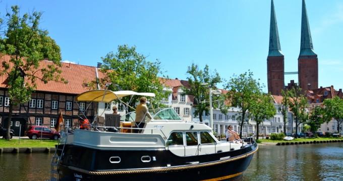 Boat rental Linssen Linssen Grand Sturdy 380 AC in Lübeck on Samboat