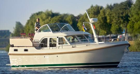 Rental Motorboat in Neuhof - Linssen Linssen Grand Sturdy 29.9 AC