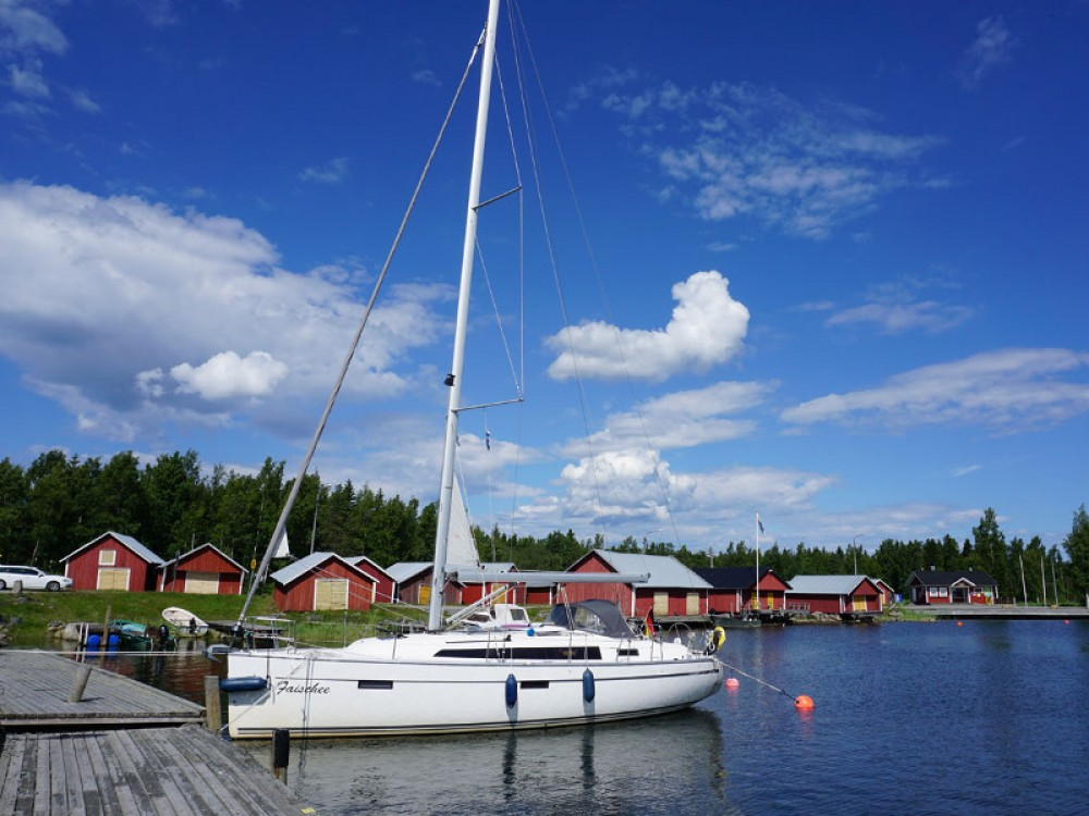 Hire Sailboat with or without skipper Bavaria Marina Kröslin