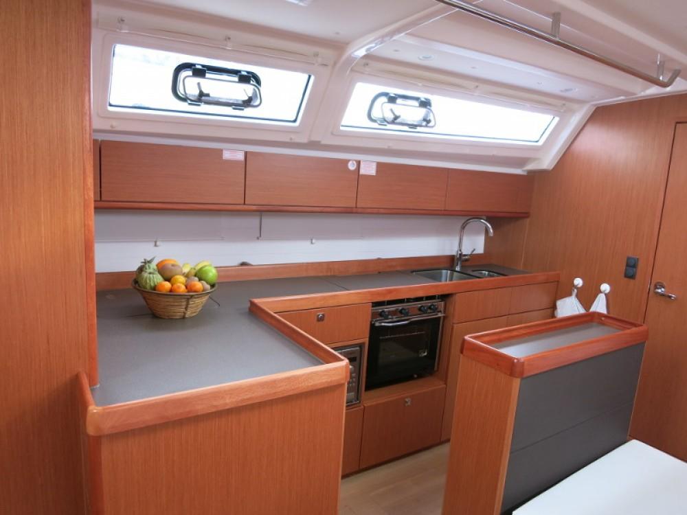 Boat rental Ponta Delgada (São Pedro) cheap Bavaria Cruiser 46