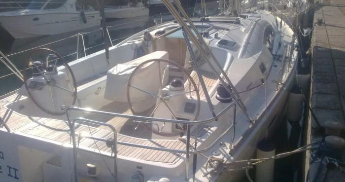 Rent a Bénéteau Oceanis 40 Marina di Portorosa