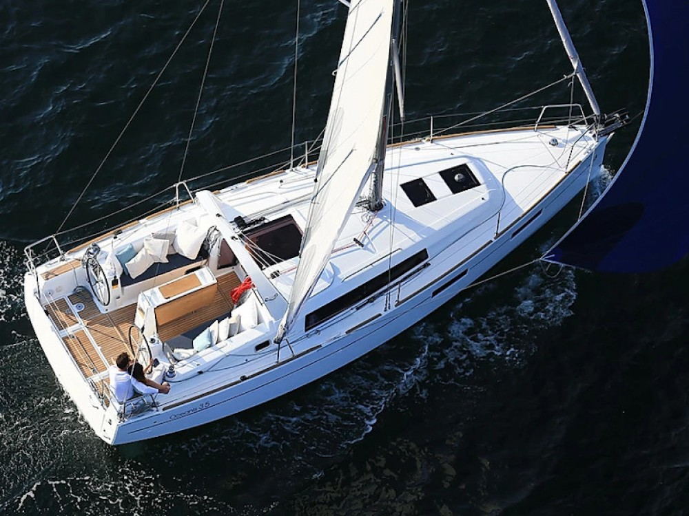 Rental Sailboat in Furnari - Bénéteau Oceanis 35.1
