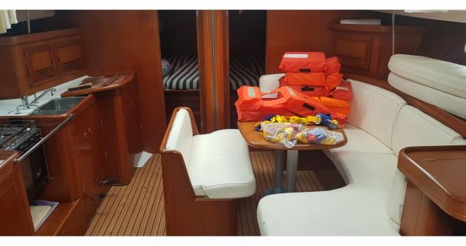 Rental Sailboat in Marina di Portorosa - Bénéteau Oceanis 473