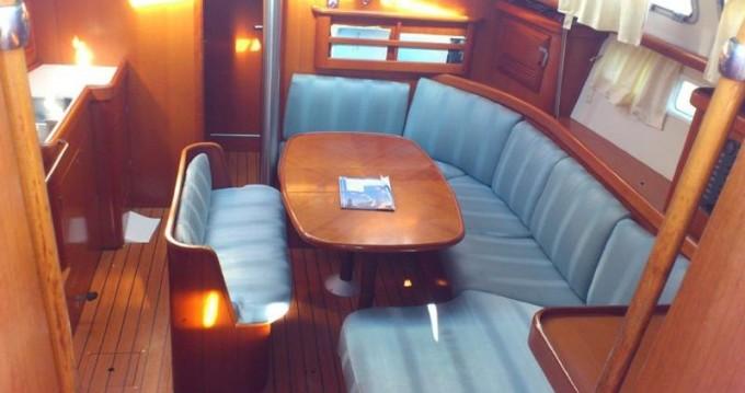 Rental yacht Marina di Portorosa - Bénéteau Oceanis 423 Exclusive on SamBoat