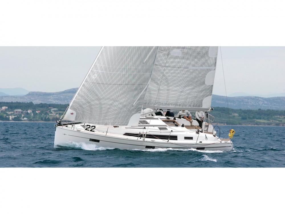 Rental yacht  - Bavaria Bavaria 40 Cruiser S on SamBoat