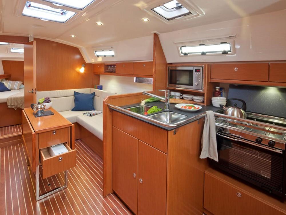 Rental Sailboat in Lisbon - Bavaria Bavaria 36 Cruiser