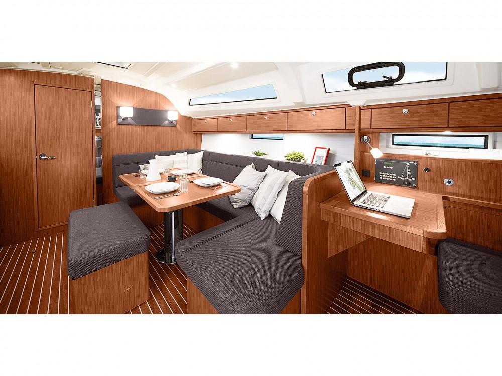 Rental yacht Cascais e Estoril - Bavaria Bavaria 41 Cruiser Style on SamBoat
