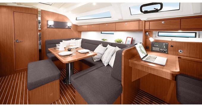 Rental yacht Cascais - Bavaria Bavaria 41 Cruiser Style on SamBoat
