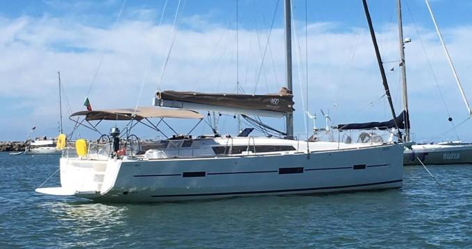 Boat rental Dufour Dufour 460 Grand Large in Porto de Portimao on Samboat