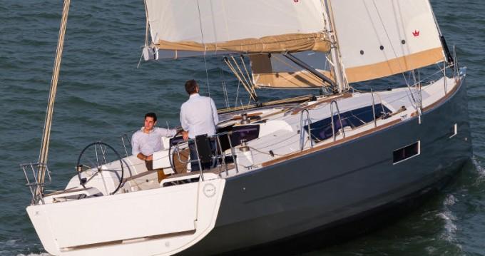 Rental yacht Porto de Portimao - Dufour Dufour 382 on SamBoat