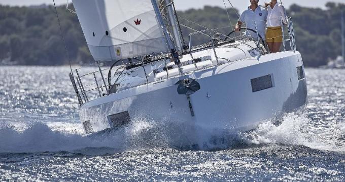 Rental Sailboat in Porto de Portimao - Jeanneau Sun Odyssey 440