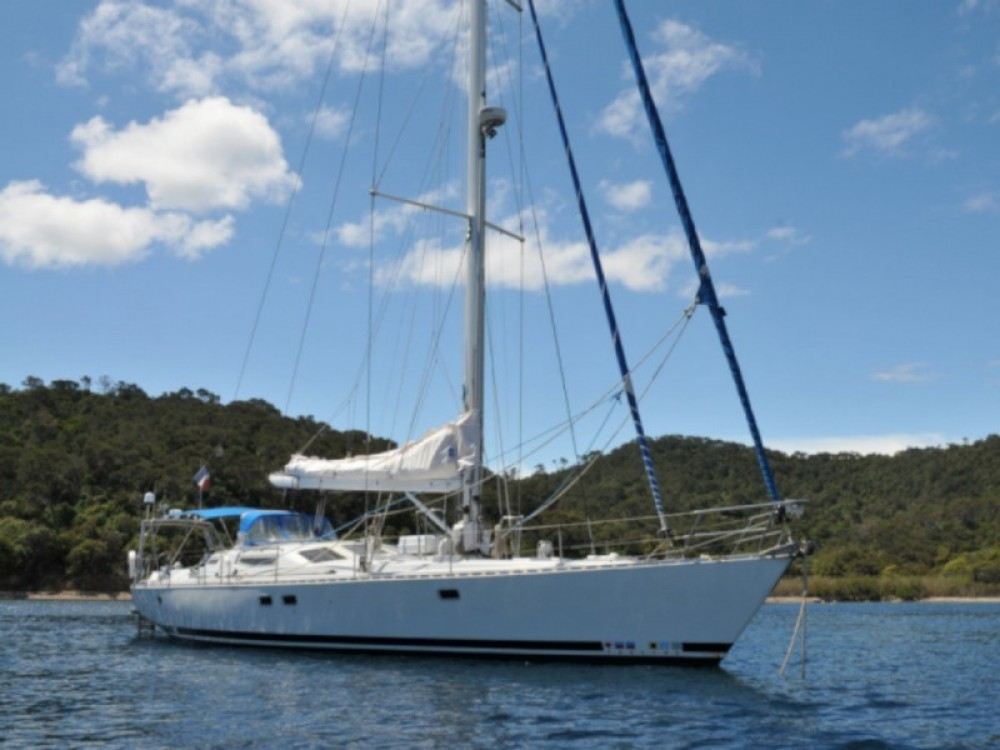 Hire Sailboat with or without skipper Feeling Marseille