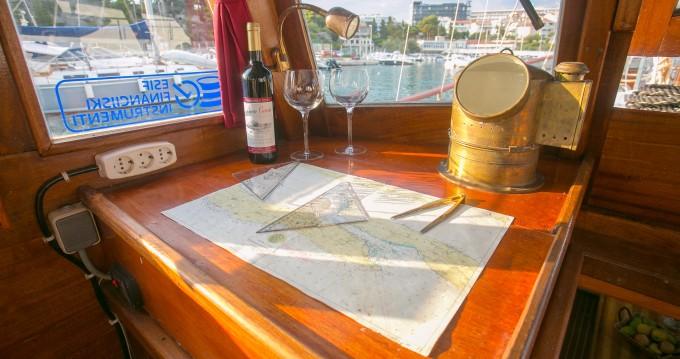 Boat rental Split cheap Classsic dalmatian boat
