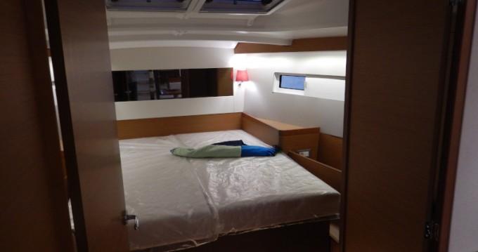 Rental Sailboat in Palma de Mallorca - Jeanneau Sun Odyssey 440