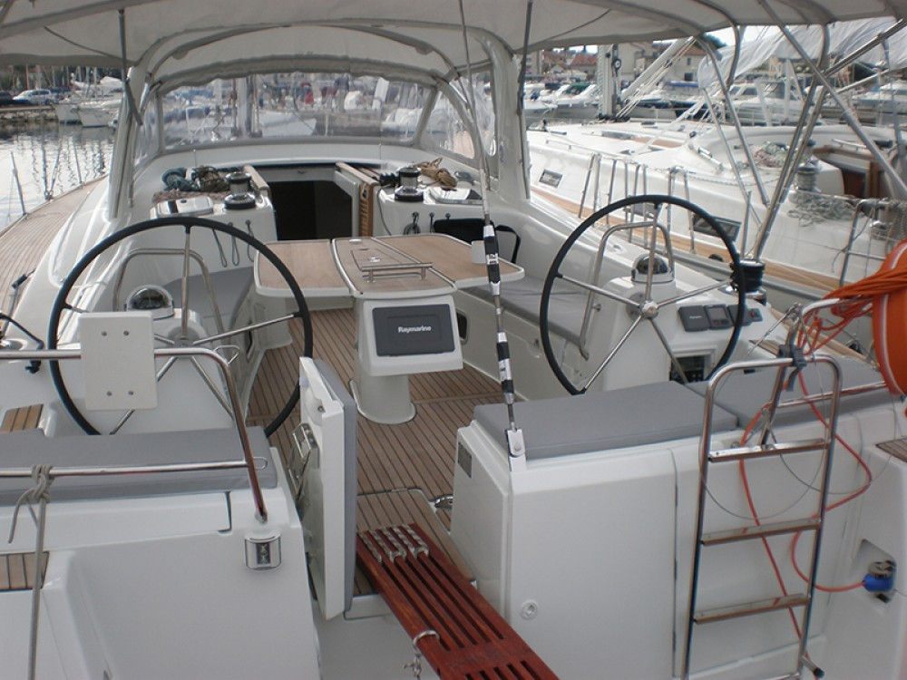 Boat rental Bénéteau Oceanis 50 Gran Family in Sant Antoni de Portmany on Samboat