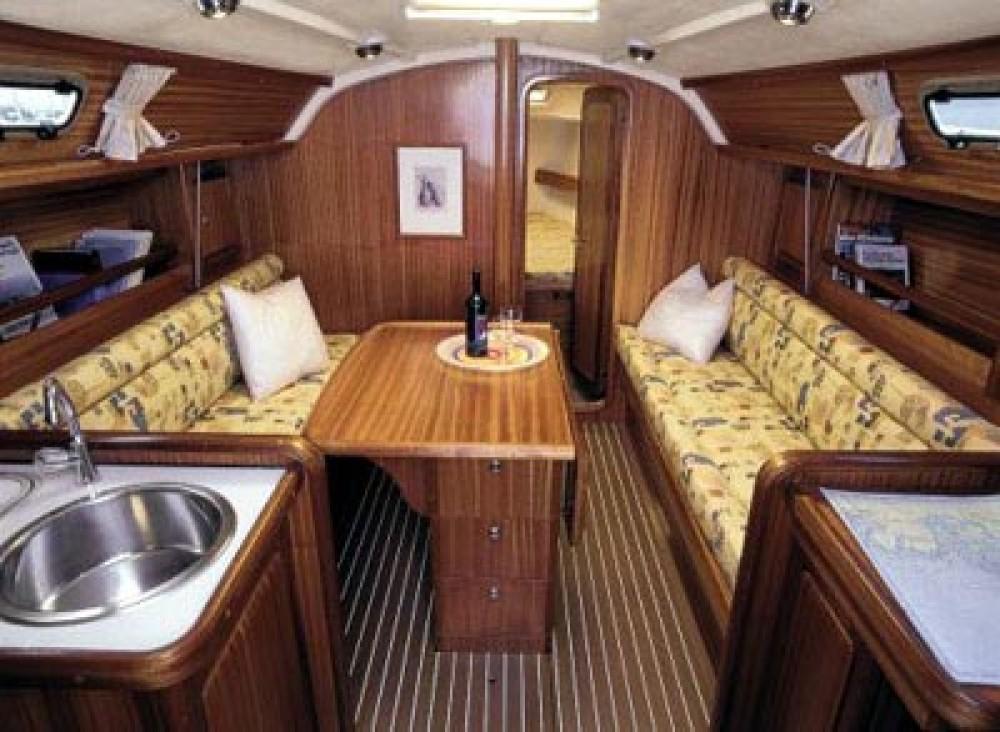 Rental yacht Tallinn - Hanse Hanse 325 on SamBoat