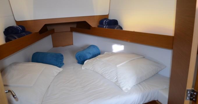 Boat rental Jeanneau Sun Odyssey 349 in Ploče on Samboat