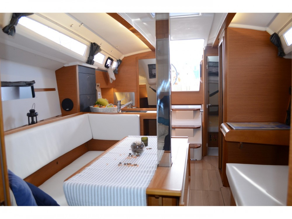 Rental yacht Ploče - Jeanneau Sun Odyssey 349 on SamBoat