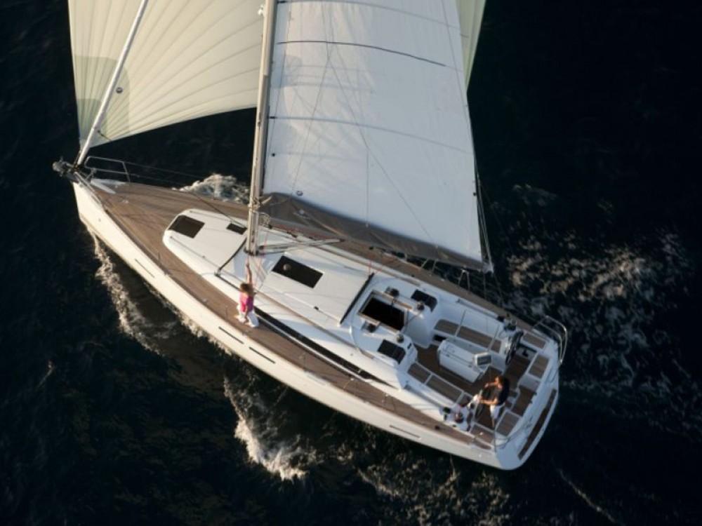 Boat rental Palma cheap Sun Odyssey 409