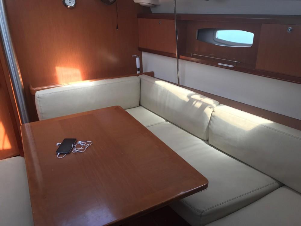 Boat rental Bénéteau Oceanis 43-3 in Arona on Samboat