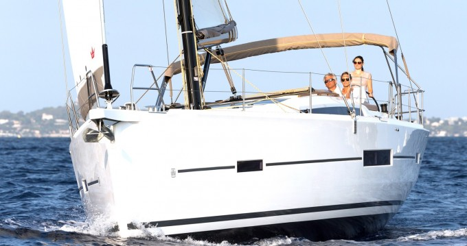 Rental yacht Alimos - Dufour Dufour 520 Grand Large on SamBoat