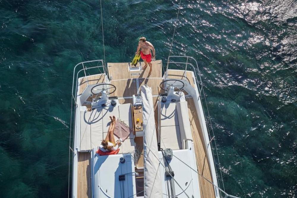 Rental Sailboat in Capo d'Orlando Marina - Jeanneau Sun Odyssey 440