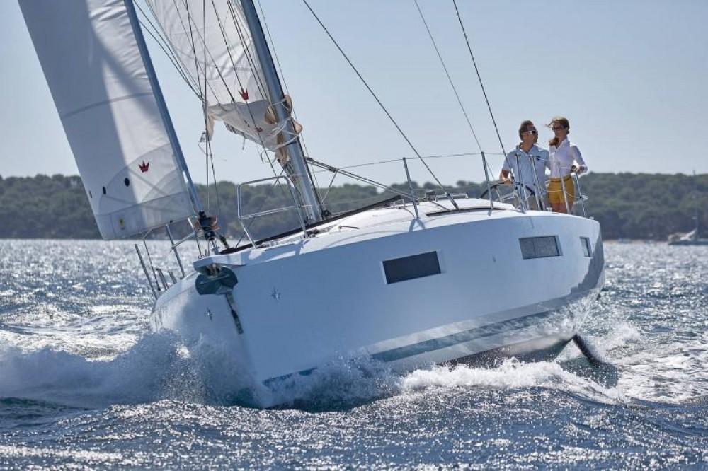 Boat rental Jeanneau Sun Odyssey 440 in Capo d'Orlando Marina on Samboat