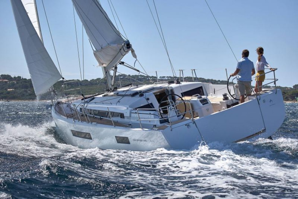 Jeanneau Sun Odyssey 440 between personal and professional Capo d'Orlando