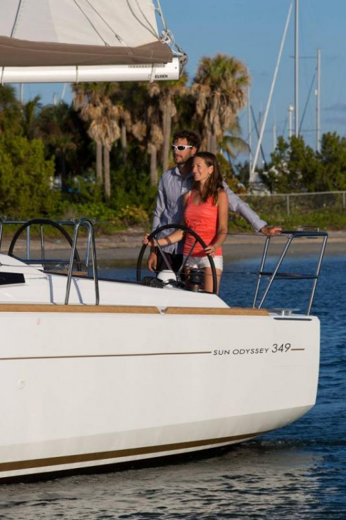 Sailboat for rent Capo d'Orlando Marina at the best price