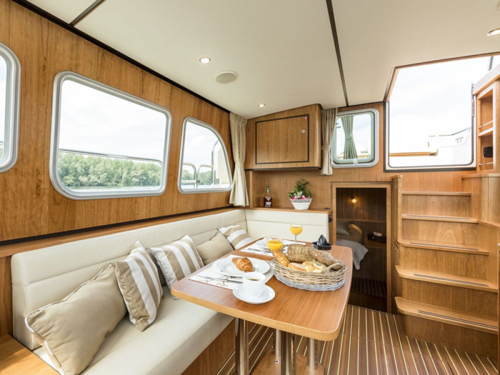 Linssen Linssen Classic Sturdy 35.0 AC between personal and professional Akershus