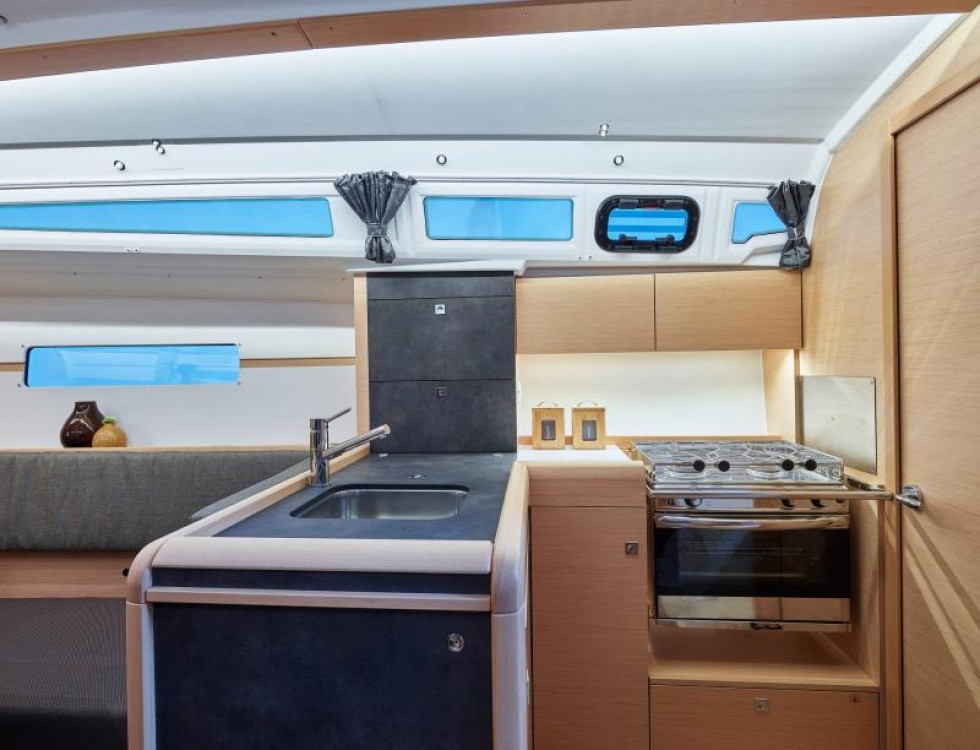 Jeanneau Sun Odyssey 349 between personal and professional Capo d'Orlando Marina