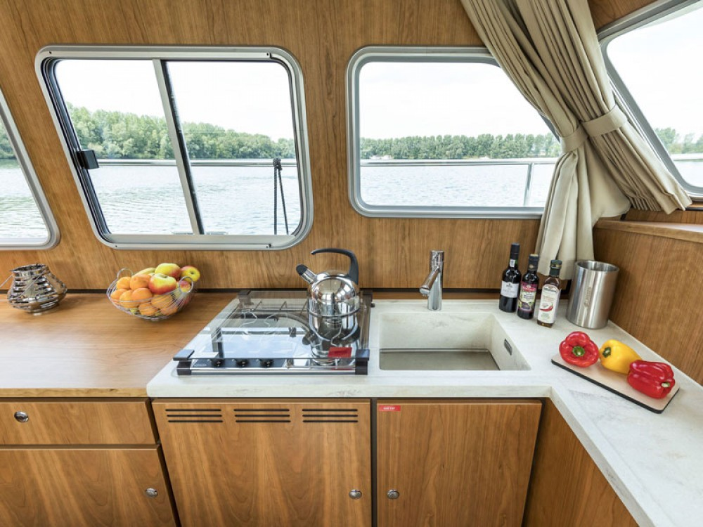 Rent a Linssen Linssen Classic Sturdy 35.0 AC Akershus