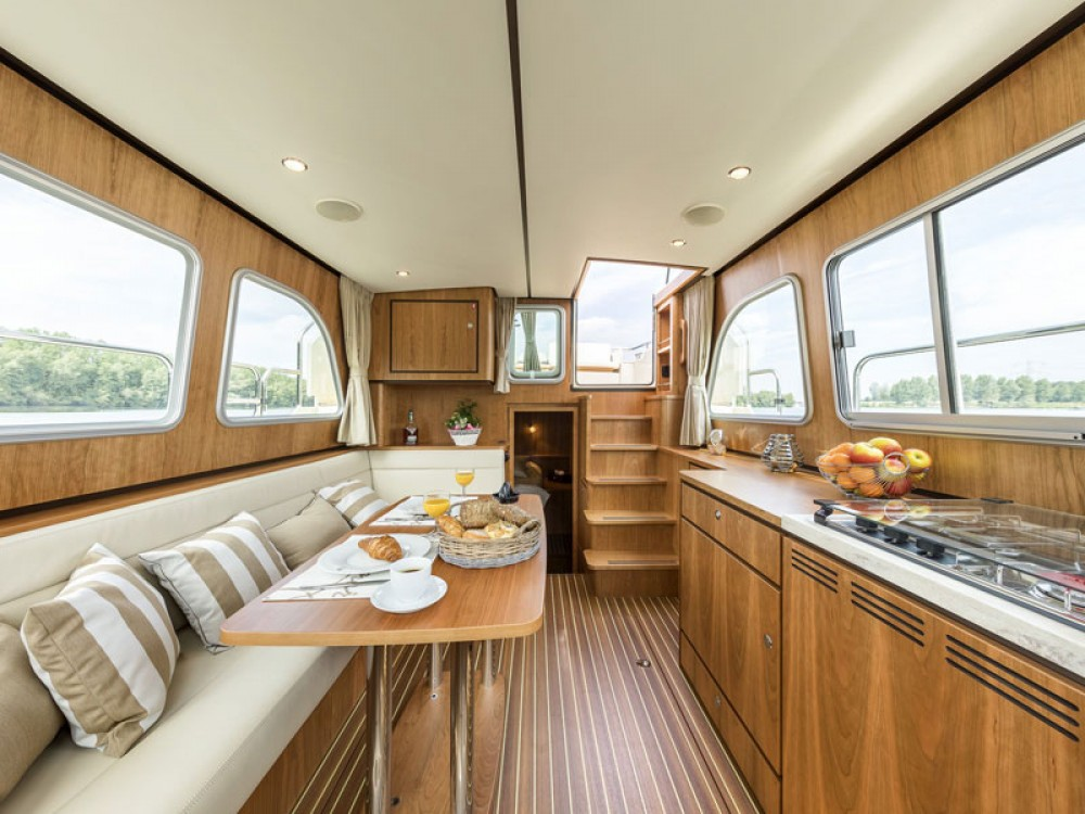 Boat rental Linssen Linssen Classic Sturdy 35.0 AC in Akershus on Samboat