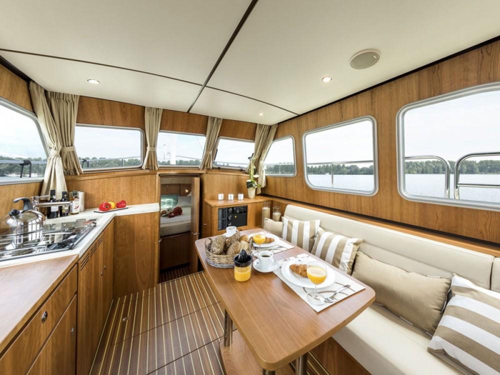 Rental Motorboat in Akershus - Linssen Linssen Classic Sturdy 35.0 AC