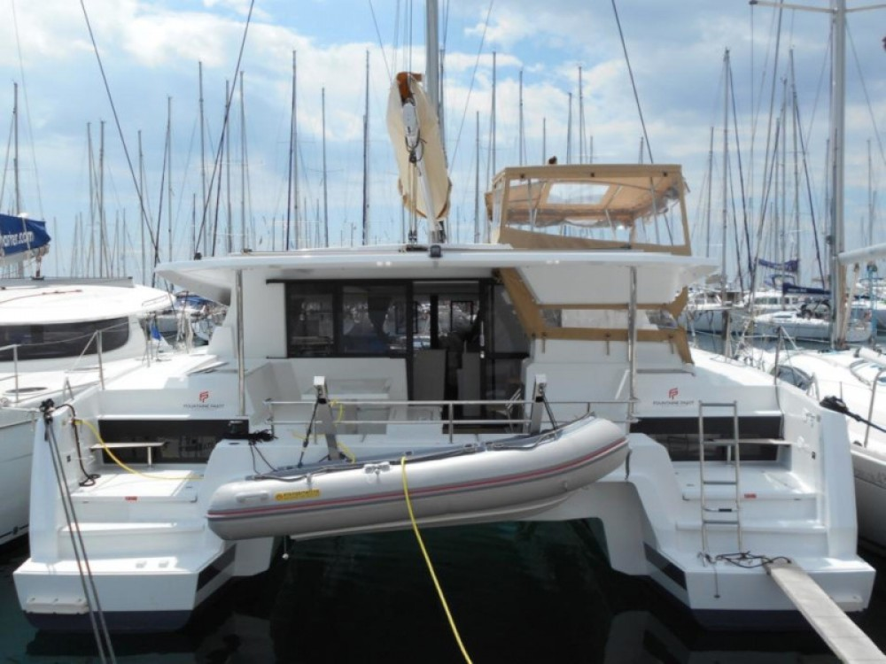 Rental yacht Álimos - Fountaine Pajot Astrea 42 on SamBoat