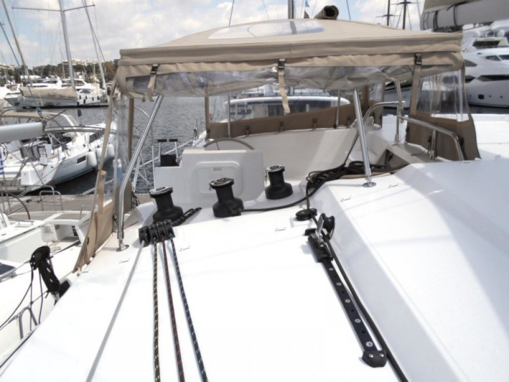 Boat rental Fountaine Pajot Astrea 42 in Álimos on Samboat