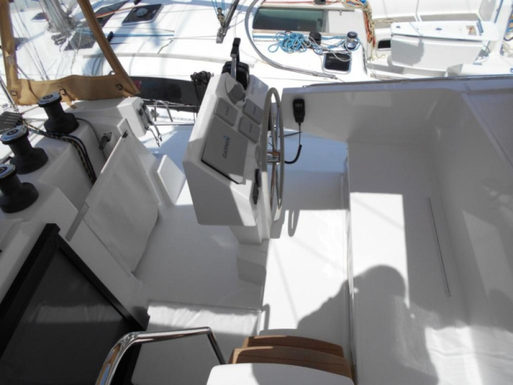 Rental Catamaran in Álimos - Fountaine Pajot Astrea 42
