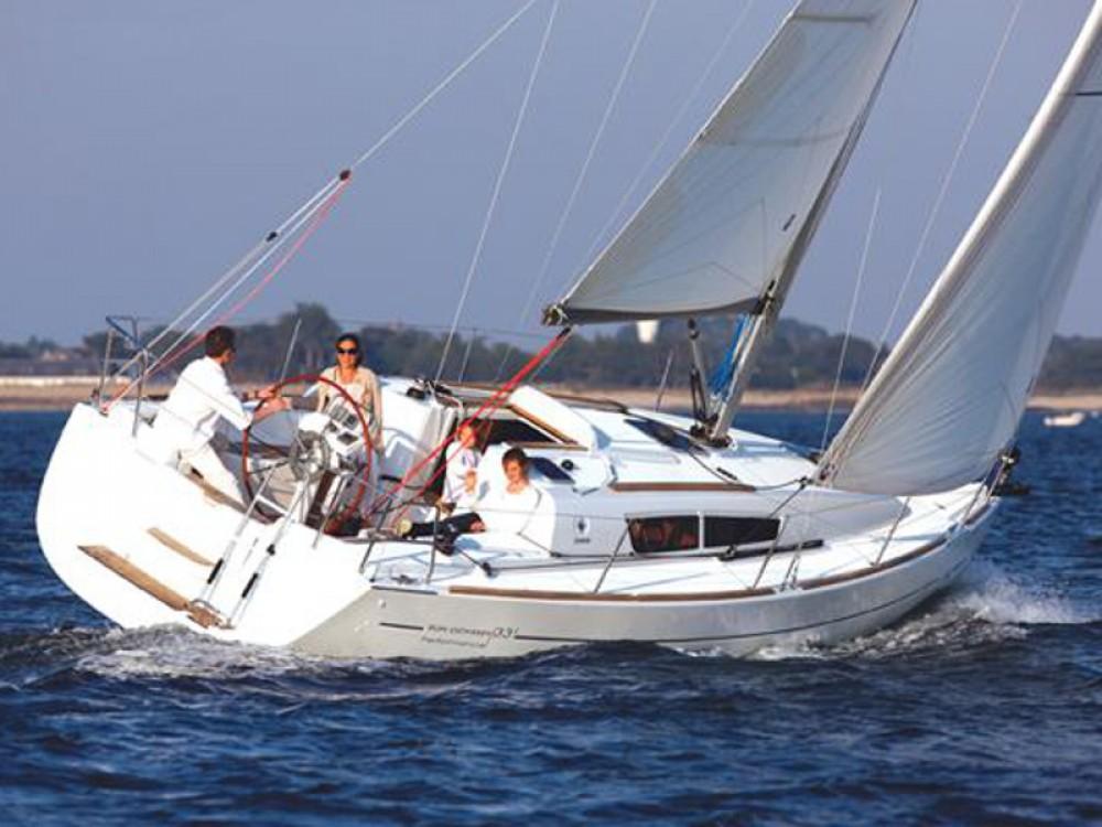 Boat rental Jeanneau Sun Odyssey 36i in Álimos on Samboat