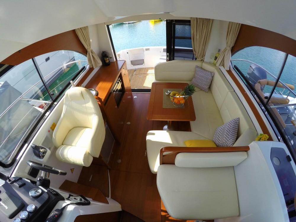 Rental Motor boat in Split - Bénéteau Antares 30 Fly