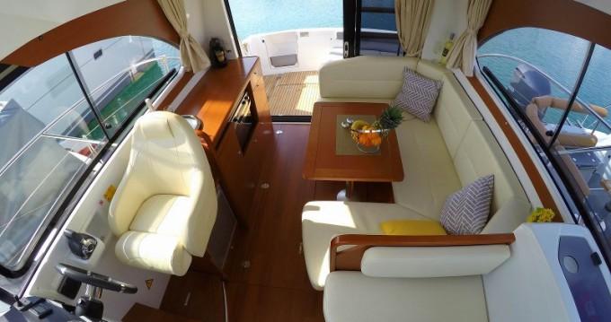 Boat rental  cheap Antares 30 Fly
