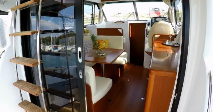 Rental Motorboat in  - Bénéteau Antares 30 Fly
