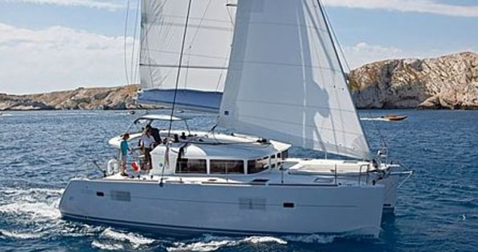 Boat rental Sant Antoni de Portmany cheap Lagoon 400