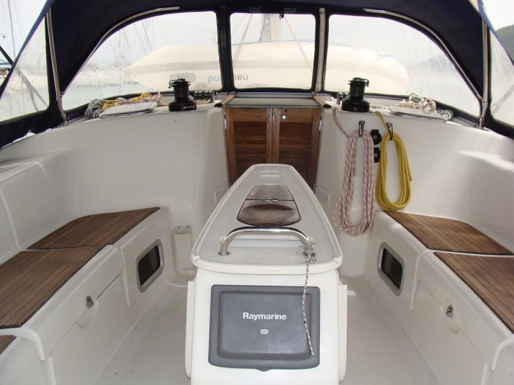 Boat rental Álimos cheap Cyclades 50.5