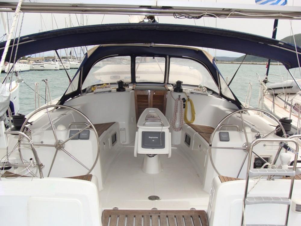 Rental yacht Álimos - Bénéteau Cyclades 50.5 on SamBoat